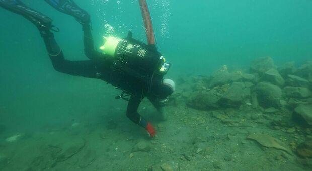 Bolsena scoperto giacimento sacro di 3000 anni fa riaffiorano statuine in bronzo sarde