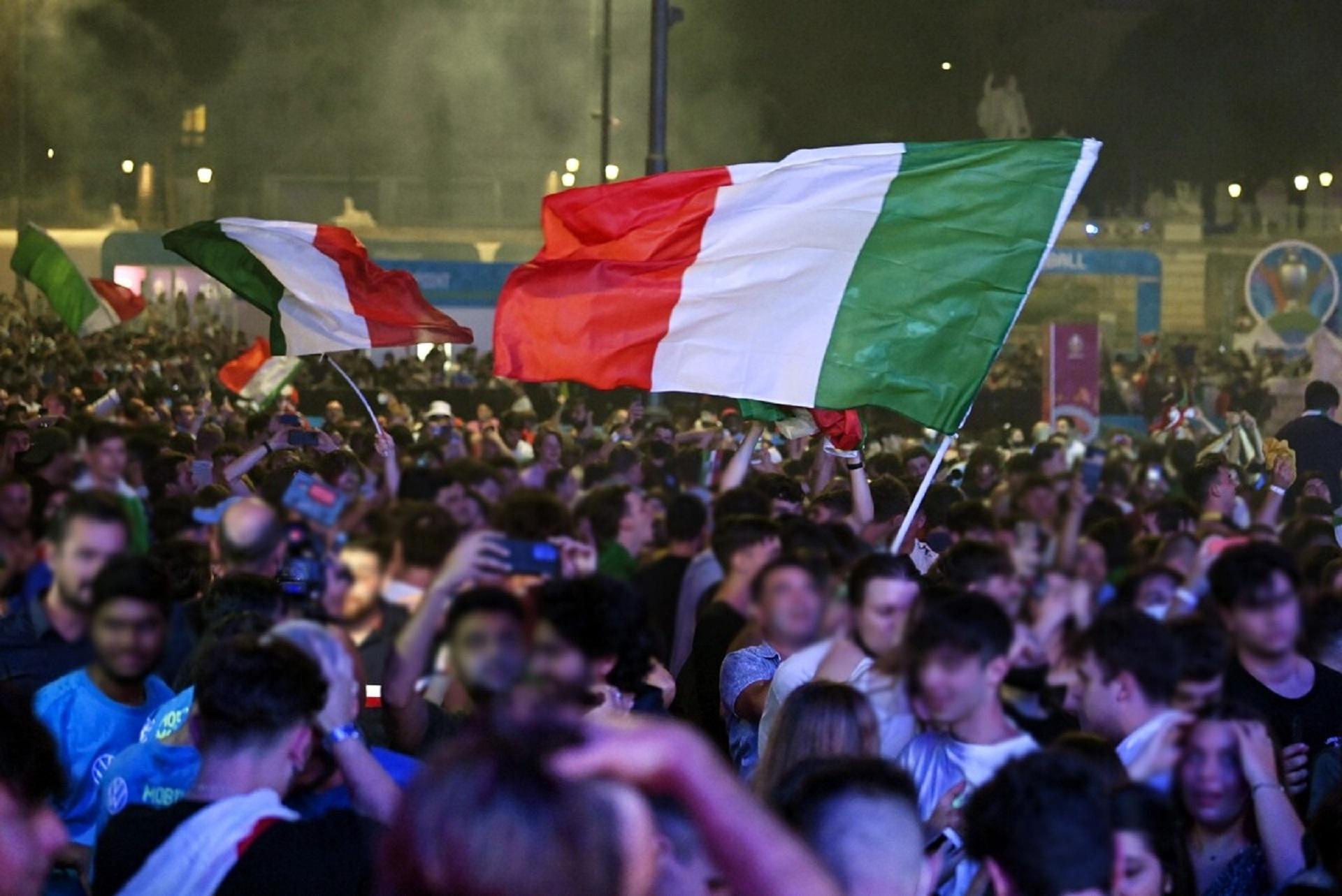 Quanto hanno pesato le feste per la vittoria dellEuropeo sulla pandemia? I numeri dellultimo report dellIss