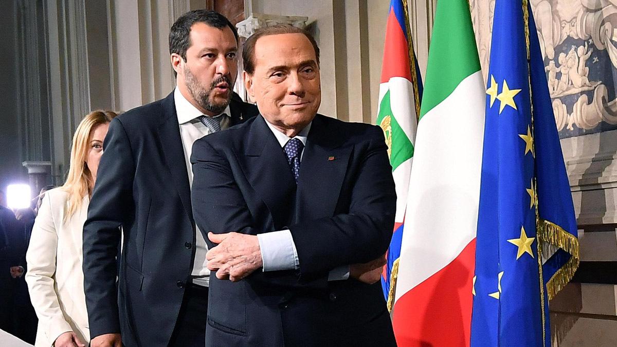 Berlusconi vuole il vaccino obbligatorio per i prof (Salvini contrario) - Il