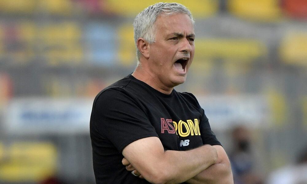 Laccusa di Mourinho I calciatori non dormono per giocare a Fortnite