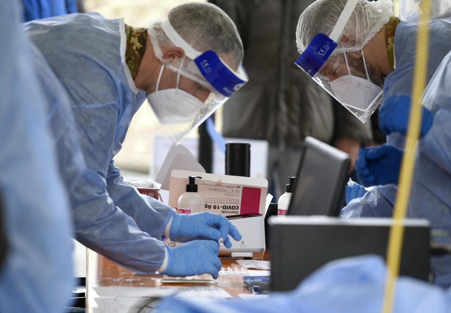 Covid settembre casi Comasco Lombardia 58mila tamponi