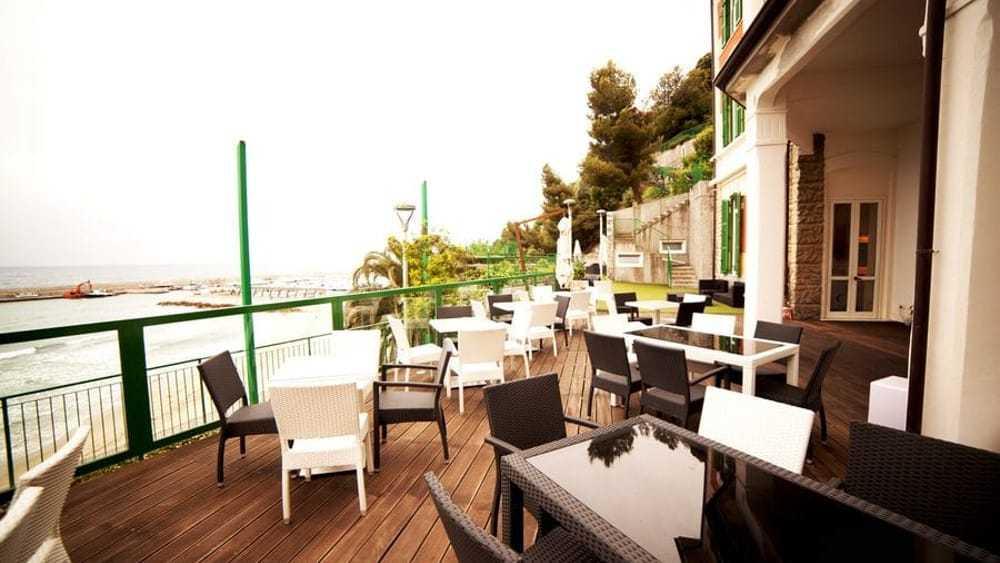 'Ndrangheta, l'hotel sul mare e la suite, sempre disponibile, per la compagna