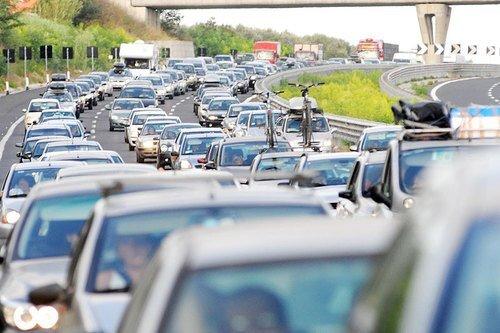 Autostrada A 29 traffico rallentato a causa di un incendio