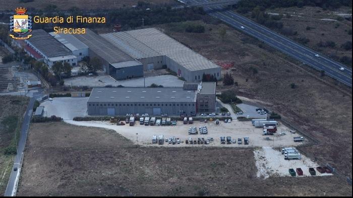 Operazione 'Gold Trash'- Scoperta rete di società organizzata per frodare lo Stato: 5 arresti, 2 misure restrittive per altre 7 persone,...