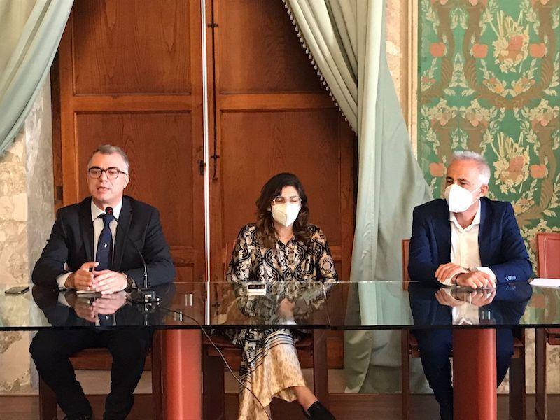 I difficili conti dei Comuni il viceministro Castelli a Siracusa incontra i sindaci