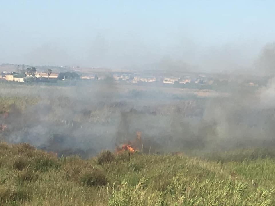 Petrosino, vasto incendio a Torre Sibiliana