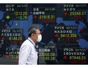 Borsa: Asia in calo su tensioni Usa-Cina