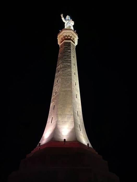 Torna luce a stele Madonnina della Lettera Messina