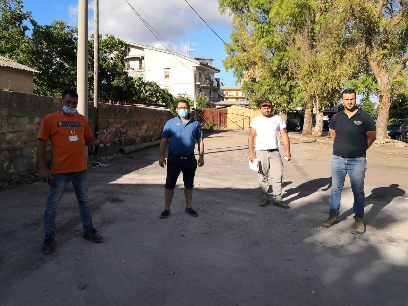 Percettori del reddito di cittadinanza e privati insieme per il decoro di Monreale, bonificato piazzale Cirba