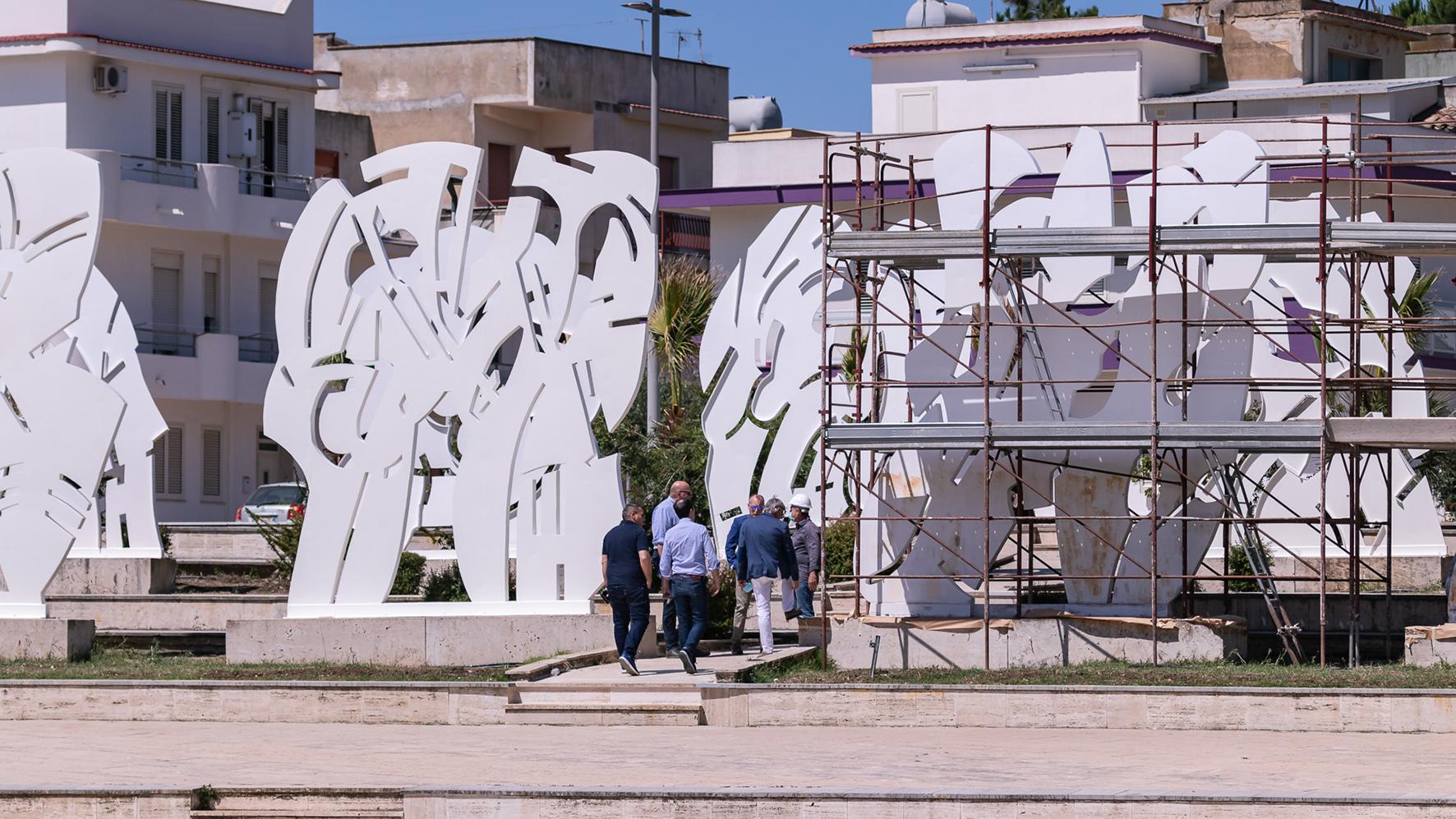 Gibellina restaura 'La citta di Tebe' di Pietro Consagra