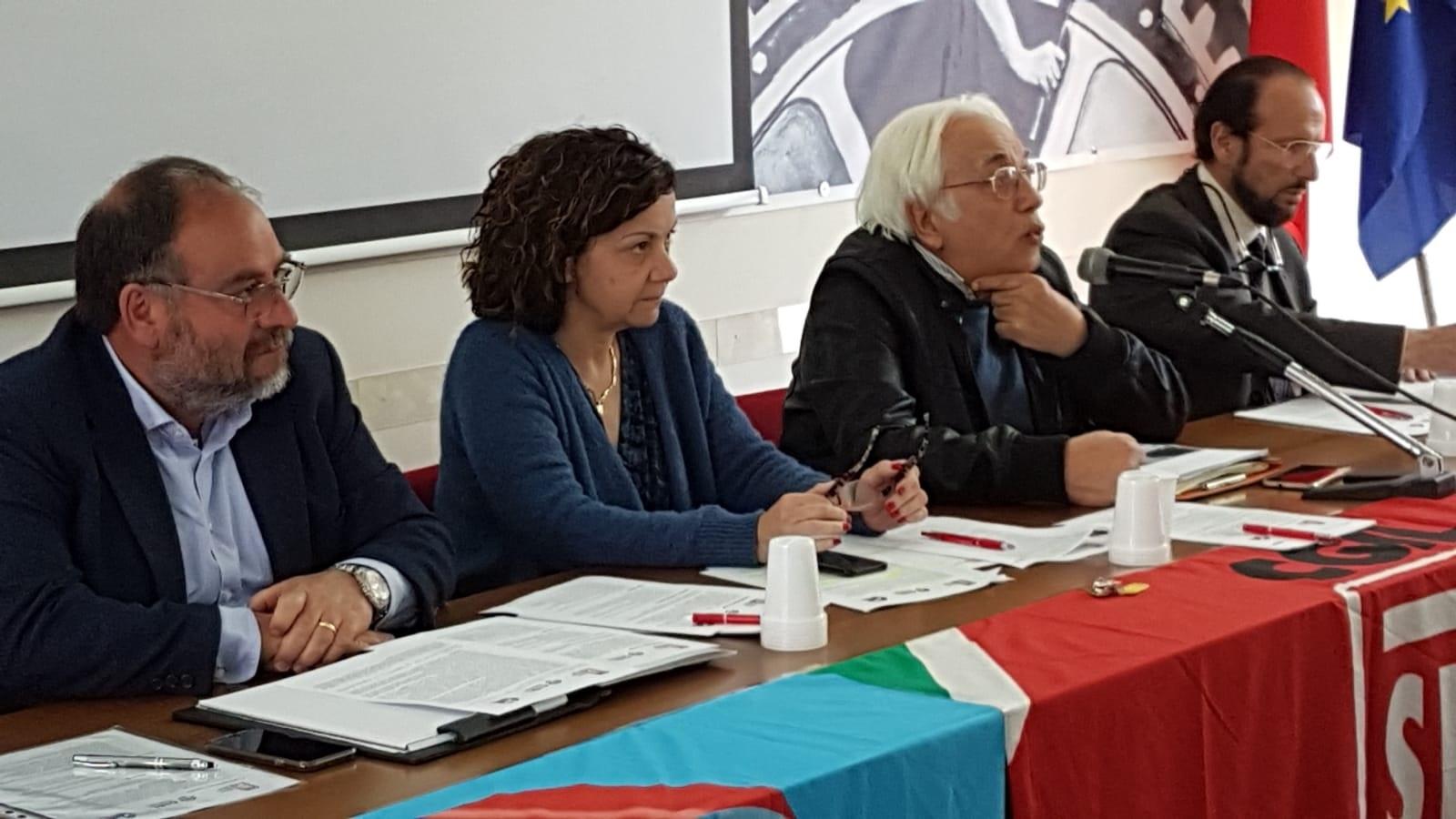 Mobilitazione dei pensionati della provincia di Siracusa contro i sindaci