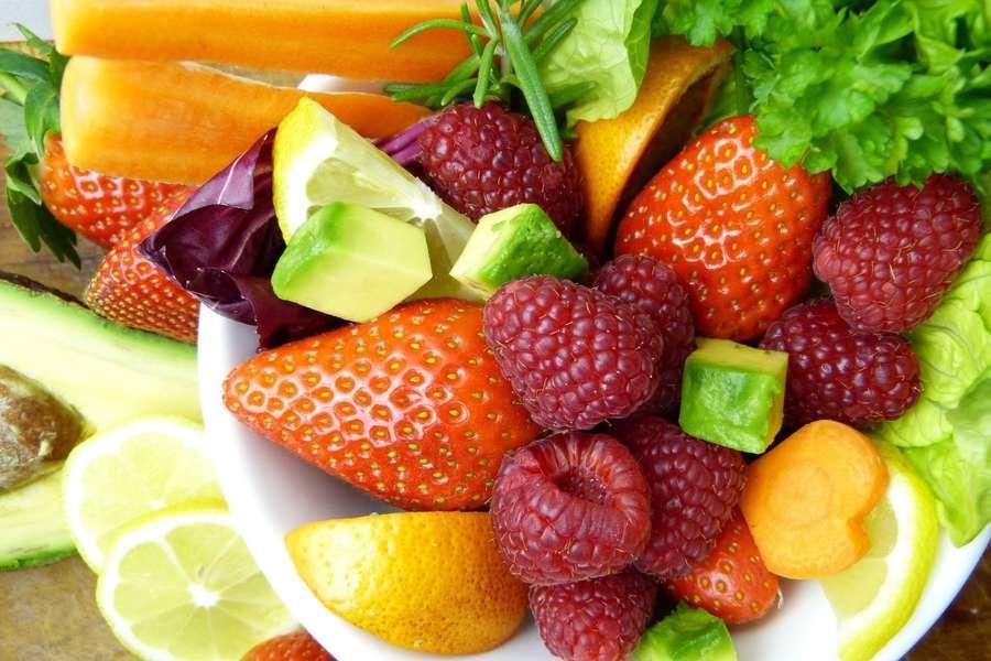 Dieta contro il caldo, ecco cosa mangiare: cibi sì e cibi no