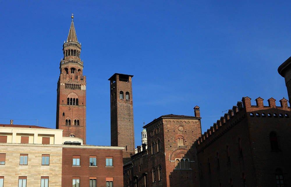 La città verticale, Cremona e le sue torri
