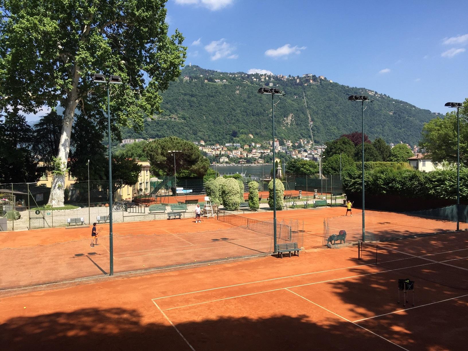 Scuola tennis di Villa Olmo: tennis per tutti nei mesi di giugno e luglio