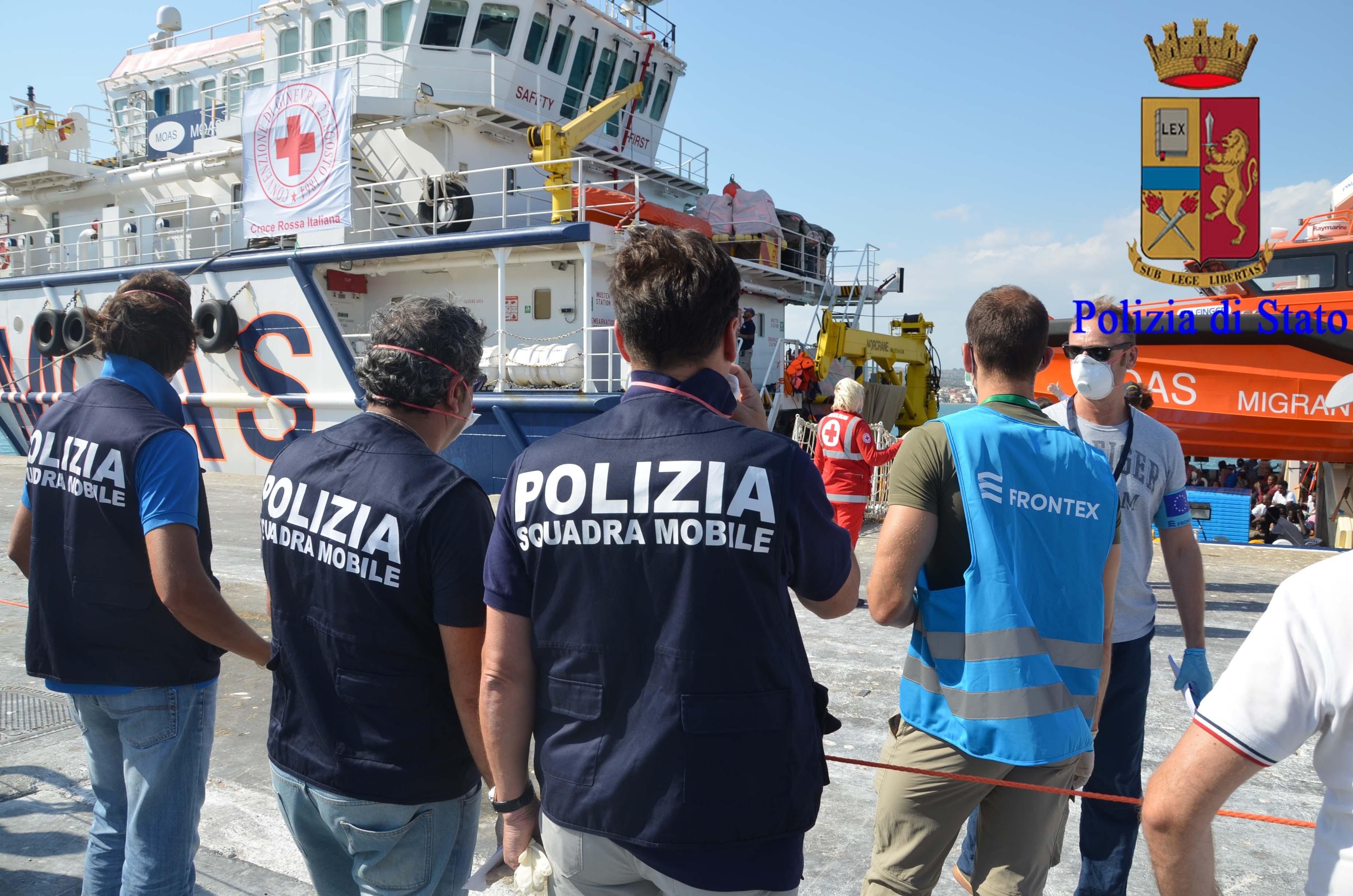 Migranti, il Siulp di Ragusa: 'Non siamo esperti nell'accoglienza'