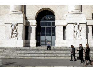 Borsa: Milano accelera, +3%, con Europa e Wall street