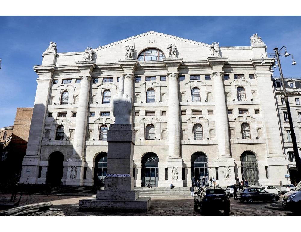 Borsa Milano apre marginale calo Ftse