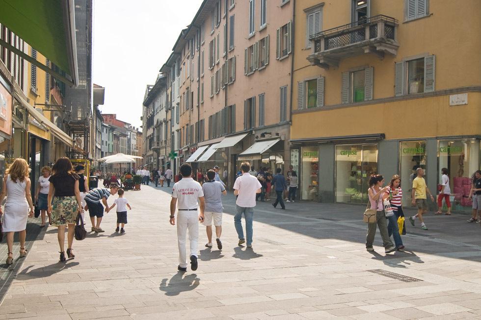 'PrenotaBergamo', la web-app con cui prenotare qualsiasi servizio nei negozi e nei locali della città