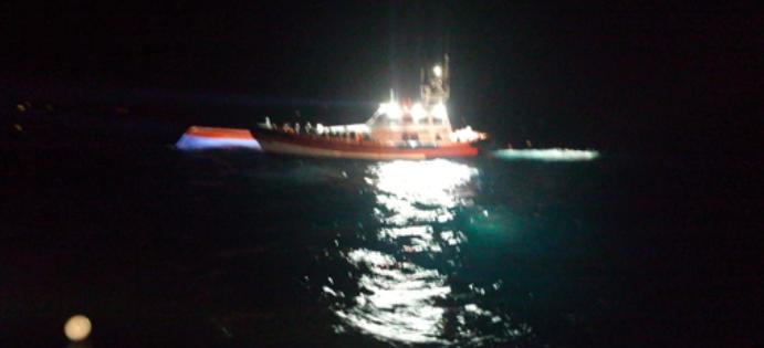 Lampedusa 11 sbarchi nella notte 191 migranti sullisola