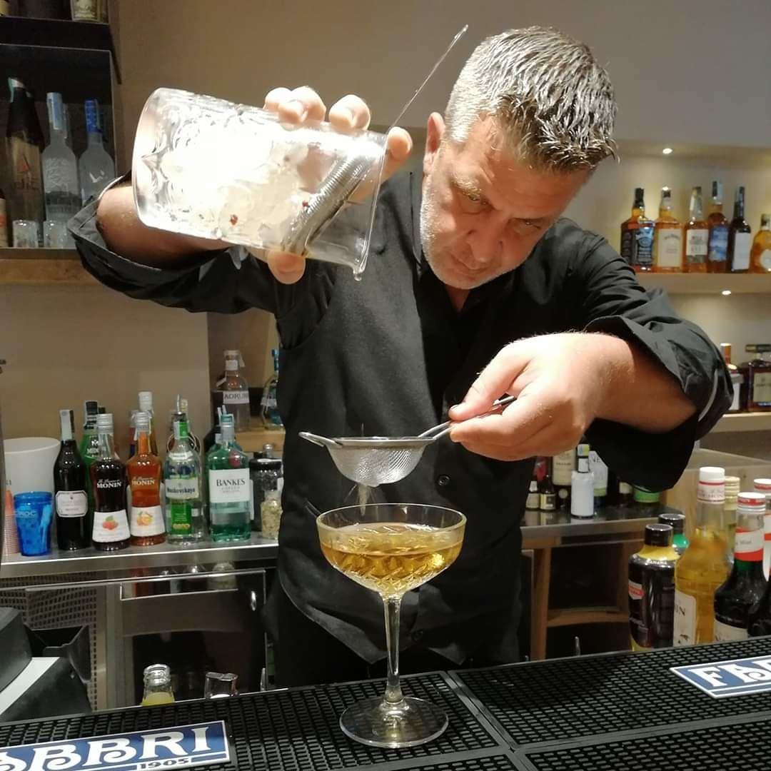 Salvatore Siracusa Capo Barman Aibes approda al Lounge Beach Scala dei Turchi