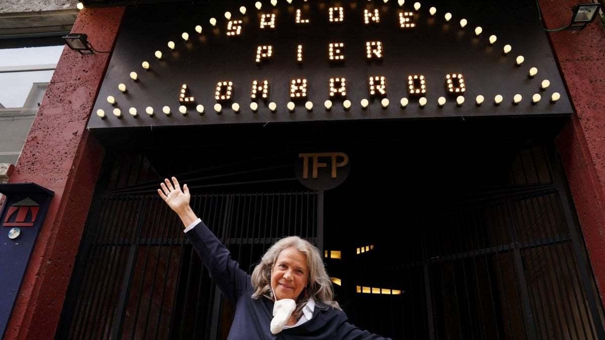 Spettacoli in piscina e un'estate di musica, teatro e danza: a Milano riapre il Franco Parenti