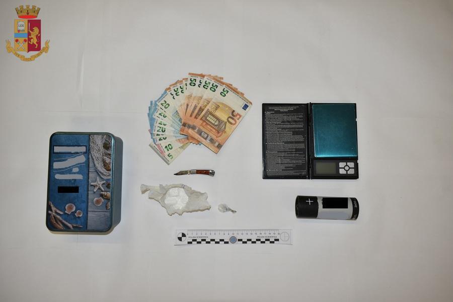 Valguarnera, arrestato dalla Polizia di Stato un uomo per detenzione e spaccio di cocaina