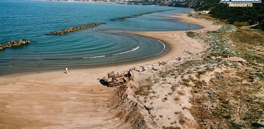 Agrigento, Mareamico: 'Distrutte dalle ruspe le dune della spiaggia di Maddalusa'