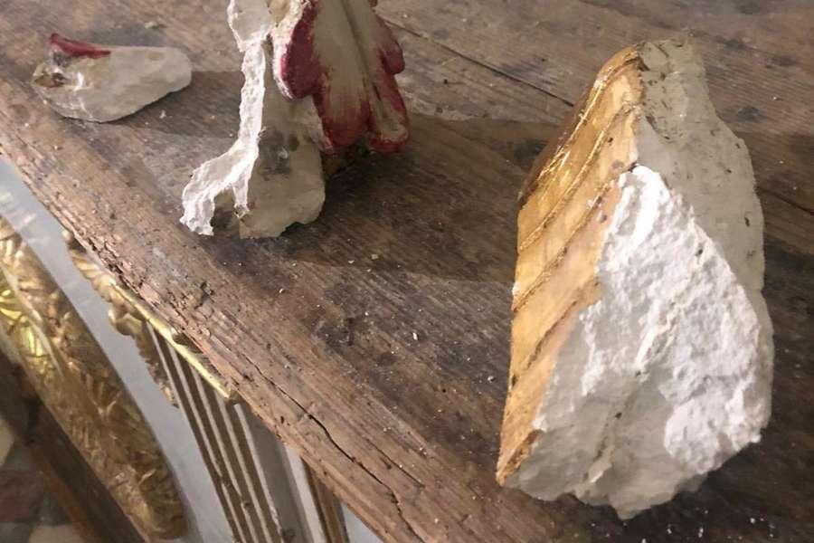 Modica, distacco di stucchi nella chiesa di San Giorgio
