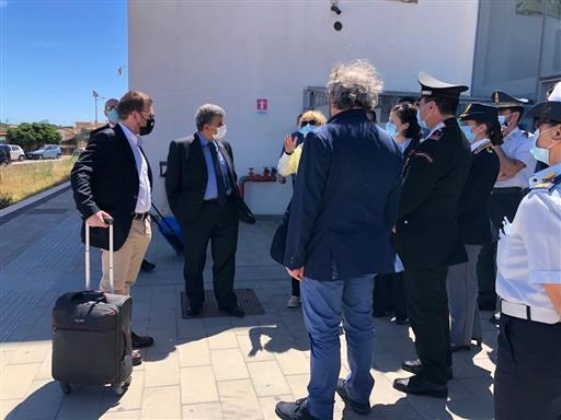 Il ministro Provenzano in visita a Lampedusa: 'l'isola deve ritornare a splendere'