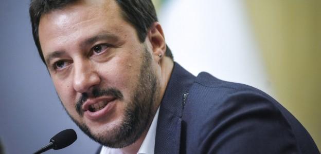 Salvini: offeso e attaccato sulle chat dei magistrati