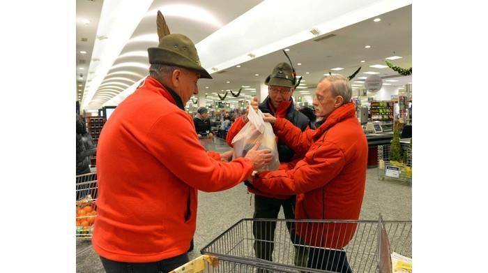 Torta di pane solidale , sostegno con gli alpini alle mense dei poveri
