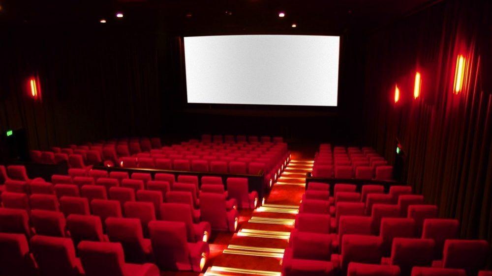 Si alza il sipario e si spengono le luci: guida alla riapertura di cinema e teatri