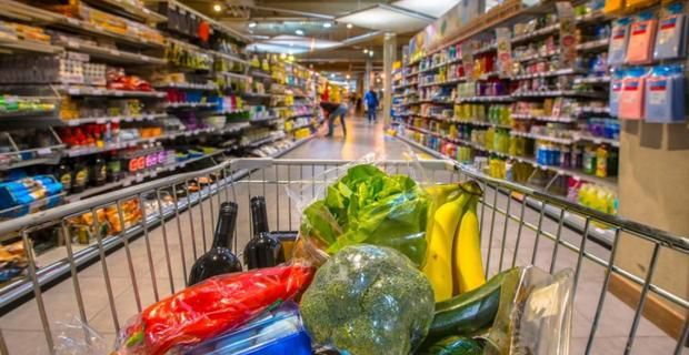 Supermercati e centri commerciali aperti già da domenica 7 giugno. L'ultima della Regione