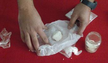 Licata, nasconde 1,2 kg di cocaina in terreno incolto: arrestato pusher