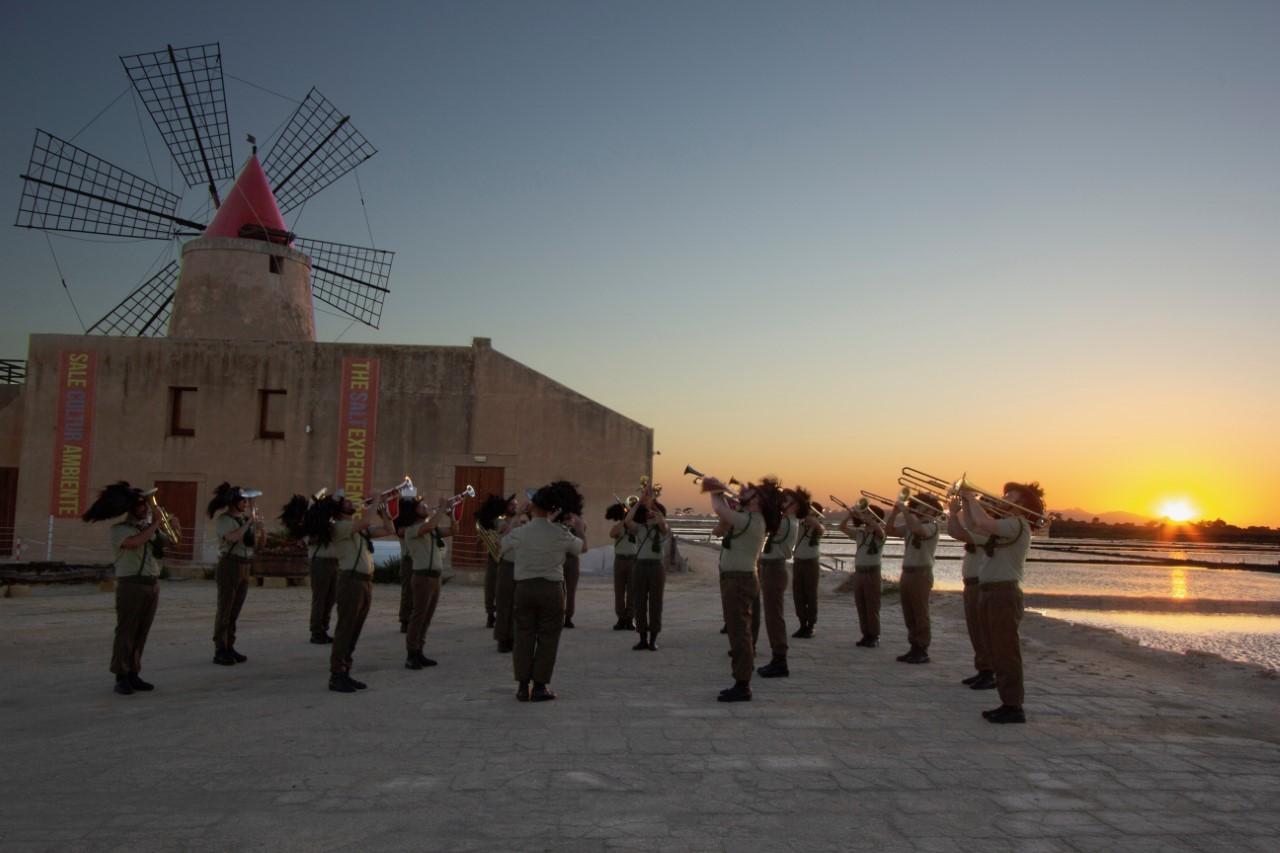 I Bersaglieri suonano alle Saline di Marsala e ad Erice per la 'Festa della Musica'