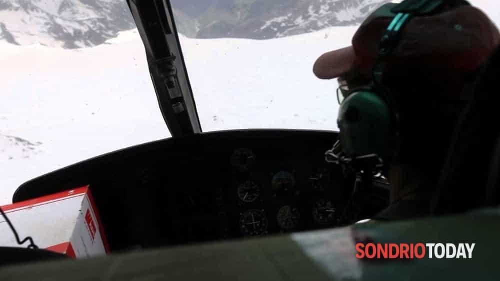 Valmalenco, elicottero in avaria sopra il rifugio Marinelli: francese obbligato ad atterraggio d'emergenza