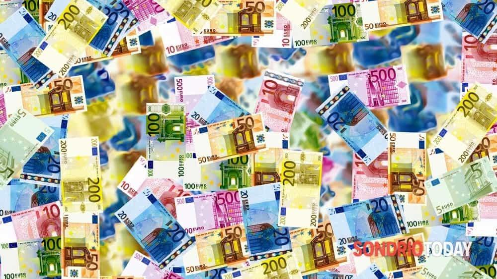 Dal primo luglio aumenti in busta paga: quanti euro in più e a chi spettano? La tabella