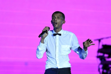 Stromae, video satira contro Twitter