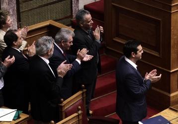 Grecia: governo Tsipras ottiene fiducia