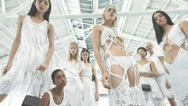 Cartoline d'amore da NY in adv Givenchy