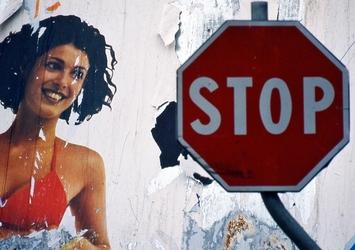 Tolleranza zero pubblicità lesiva donna