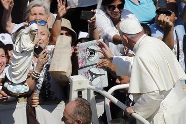Madre Teresa: pizza per 1500 poveri