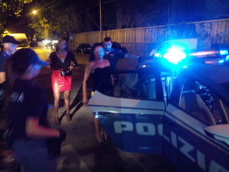 Padre e figlio sfruttavano prostitute in locale notturno