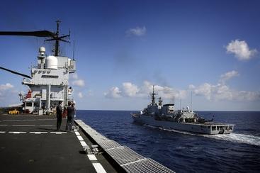 Marina,la fregata 'Maestrale' a Chioggia