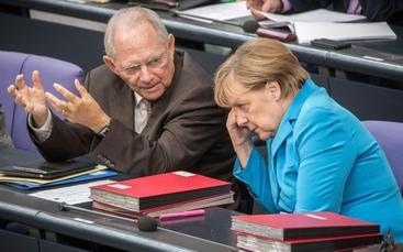 Schaeuble attacca Merkel sui migranti
