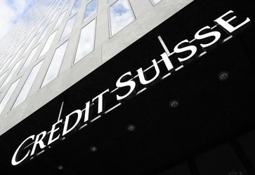 Credit Suisse giù in Borsa, voci aumento
