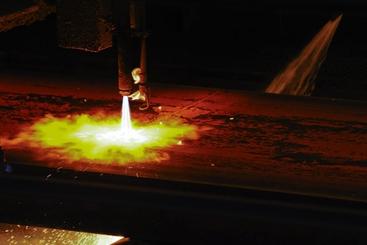 Incidenti lavoro: sette operai ustionati in acciaieria