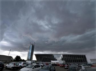 Nuvole atlantiche, sabato di temporali