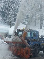 Neve montagna Modena, turbine in azione