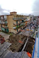 Voragine a Napoli,causa rottura condotta